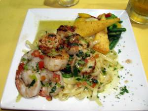 Shrimp and Scallops at Wacky Wahoo's